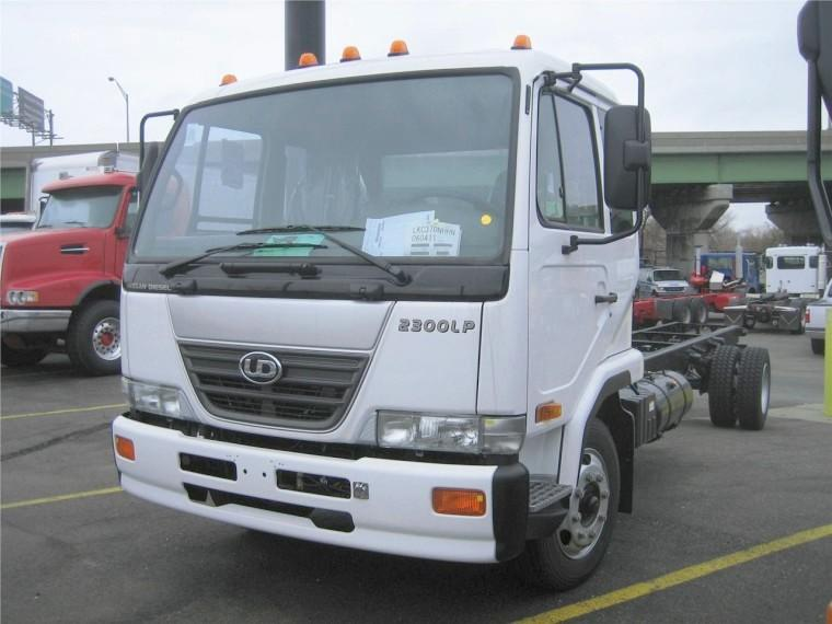 Front Left White 2008 UD Nissan 2300LP Truck Picture