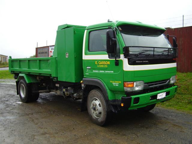Front Right Green UD Nissan MK175T Truck Picture