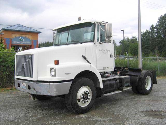 Front left 1997 Volvo WG42T Truck Picture