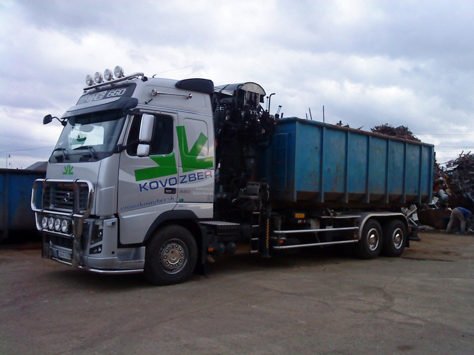 Left Side Volvo FH 16 Truck Picture