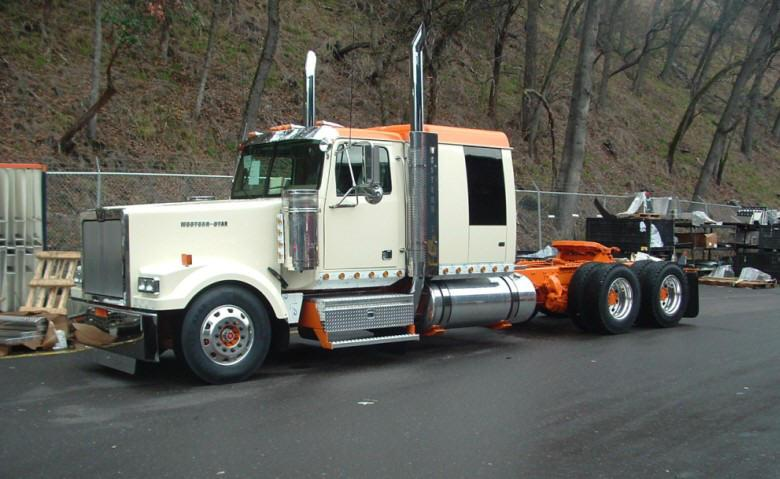 Front left 2007 Western Star 4964L Truck Picture