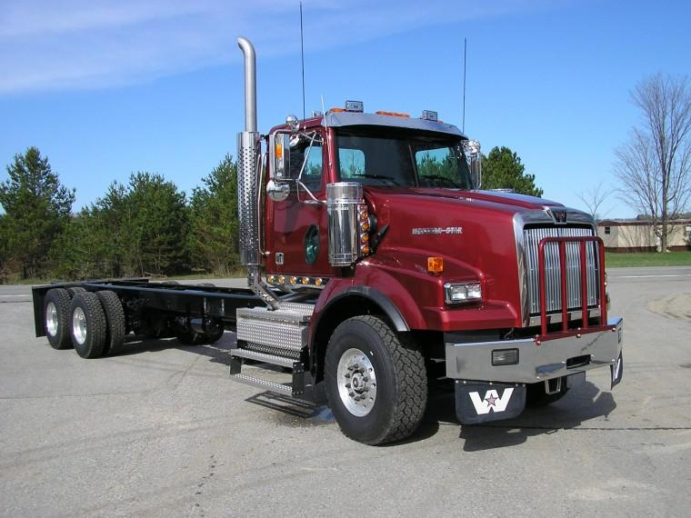 Front Right Maroon 2008 Western Star 4964SA Truck Picture