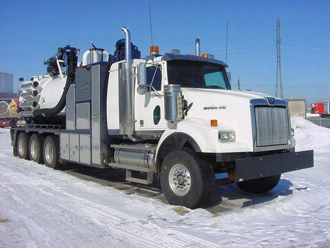 Front Right White 2009 Western Star Hydrovac Truck Picture
