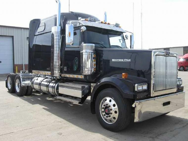 Front right 2010 Western Star 4964 EX Truck Picture