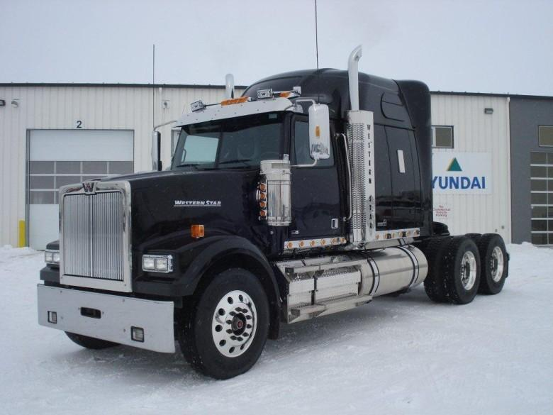 Front Left Black 2011 Western Star 4900 FA Truck Picture